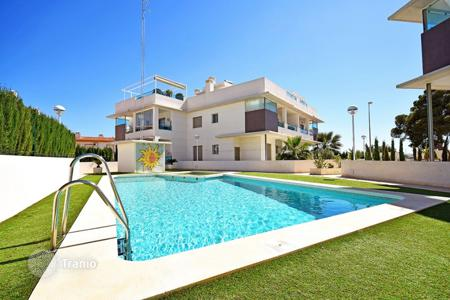 Apartments with pools for sale in Ciudad Quesada. Apartment – Ciudad Quesada, Valencia, Spain