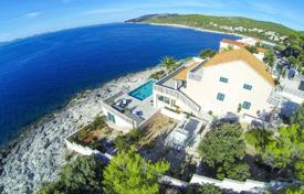 Renovated seafront villa with a garden, a swimming pool and a parking, Korčula Island, Croatia for 1,450,000 €