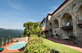 Property for sale in Bagni di Lucca. Stone villa of the XVI century with a swimming pool in Bagni di Lucca, Tuscany, Italy