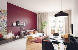 4 bedroom apartments for sale in Germany. New four-bedroom apartment in a residential complex with a parking and a cafe, in Berlin