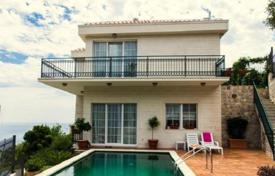 5 bedroom houses for sale in Krasici. Luxury Villa with pool and sea views in Vidikovtse, Tivat