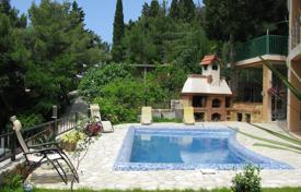 Houses with pools by the sea for sale in Montenegro. Villa – Šušanj, Bar, Montenegro