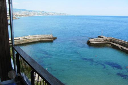 Luxury apartments with pools for sale in Italy. Apartment – Sanremo, Liguria, Italy
