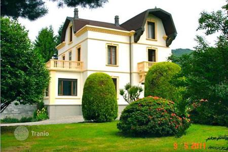 Coastal houses for sale in Piedmont. Villa - Piedmont, Italy