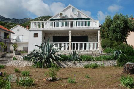 Coastal property for sale in Orebic. Fully furnished seaside cottage with apartments, Orebić, Pelješac, Croatia. High rental potential!
