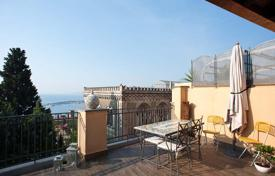 Property to rent in Italy. Apartment – Taormina, Sicily, Italy