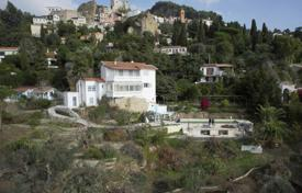 Off-plan houses with pools for sale in France. Project with permission to build a villa in Roquebrune-Cap-Martin overlooking the Principality of Monaco