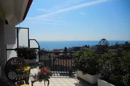 Penthouses for sale in Italy. Penthouse with a summer kitchen on the spacious terrace and sea view in San Remo