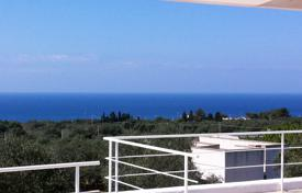 Houses for sale in Apulia. Villa with a terrace, a garden, a view of the sea and an olive grove, close to the beach, Castrignano del Capo, Italy
