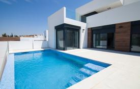 Property for sale in Algorfa. Spacious house with a swimming pool and a view of the golf course, La Finca Golf, Spain