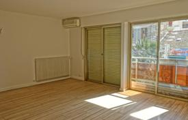 Apartments for sale in Le Cannet. Spacious apartment in a quiet area, Le Cannet, France
