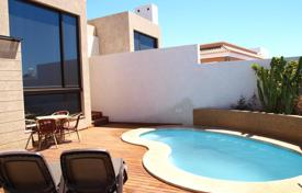3 bedroom houses for sale in El Médano. Furnished villa with panoramic ocean and mountain views in El Medano, Tenernife