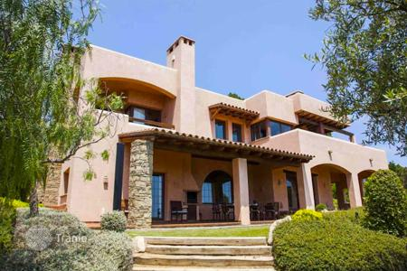 Luxury 4 bedroom houses for sale in Catalonia. Villa – Sant Pol de Mar, Catalonia, Spain
