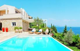 Residential to rent in Greece. Villa – Administration of the Peloponnese, Western Greece and the Ionian Islands, Greece