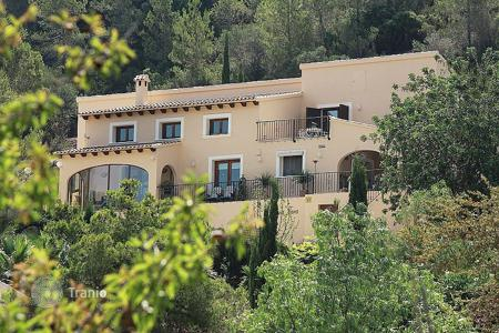 Houses with pools for sale in Jalón. Villa of 3 bedrooms in Jalón