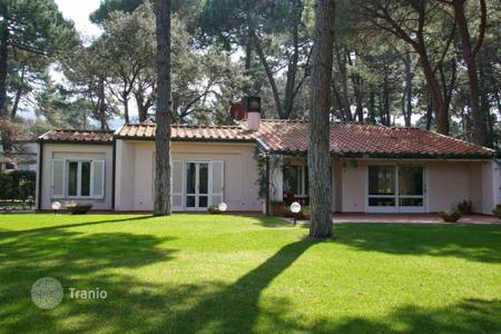 Villas and houses to rent in Punta Ala. Villa – Punta Ala, Tuscany, Italy