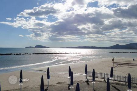 Coastal property for sale in Lazio. Apartment – Formia, Lazio, Italy
