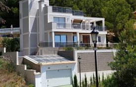 Residential for sale in Altea Hills. Villa of 7 bedrooms with luxury finishes, with private terrace and salt water swimming pool offering sea views in Altea Hills