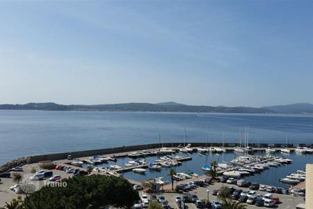 Penthouses for sale in Provence - Alpes - Cote d'Azur. FOR SALE BEAUTIFUL APARTMENT WITH PANORAMIC SEA VIEW. Unique in Saint-Maxime
