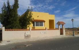Bank repossessions residential in Antigua. Villa – Antigua, Canary Islands, Spain