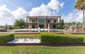 Luxury 6 bedroom houses for sale in Pollença. Comfortable villa with gardens, vineyards and a large swimming pool in a prestigious area of Pollenca, Spain