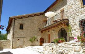 Property for sale in Marche. Prestigious and cosy house for sale in Le Marche