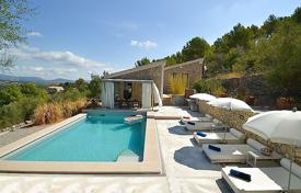 Villas and houses to rent in Majorca (Mallorca). Detached house – Selva, Balearic Islands, Spain