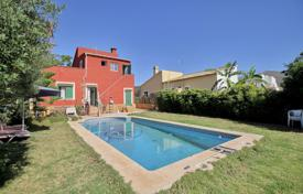 Villa with garden and swimming pool, near the beach, in El Toro, Mallorca, Spain for 385,000 €