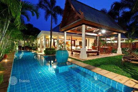 3 bedroom villas and houses by the sea to rent in Surat Thani. Villa on the beach in Maenam