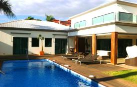 Luxury 4 bedroom houses for sale in Canary Islands. Villa – Costa Adeje, Canary Islands, Spain