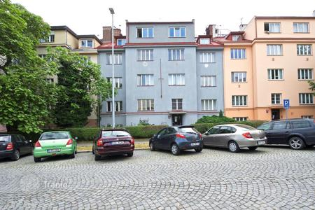 Commercial property for sale in Praha 6. Apartment house in respectable 6th district of Prague