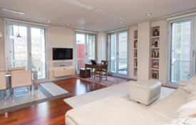 2 bedroom apartments for sale in Bilbao. Two-bedroom apartment with a river view, Albia, Bilbao, Spain