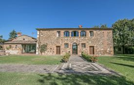 Residential for sale in Pienza. Historic estate with large plot of land, park and stables in the Val d'Orcia, near Trequanda, Tuscany