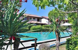 Coastal townhouses for sale in Italy. Terraced house – Lignano Sabbiadoro, Friuli-Venezia Giulia, Italy