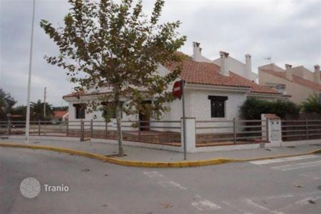 Cheap houses for sale in Almoradi. Villa of 3 bedrooms close to amenities in Almoradí