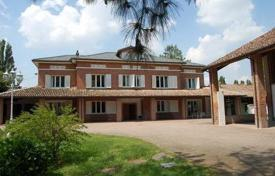 Property for sale in Mortara. Elegant cottage near Pavia
