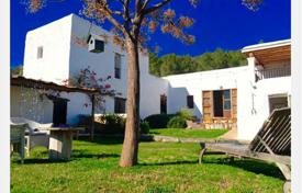 Property to rent in Ibiza. Detached house – Ibiza, Balearic Islands, Spain