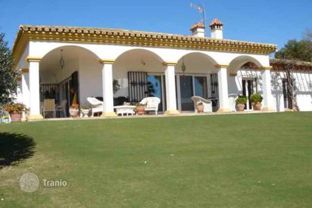3 bedroom houses for sale in Castille and Leon. Single storey house with seperate 2 bedroom cottage
