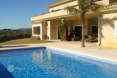 5 bedroom houses for sale in Castille and Leon. Villa with fantastic views of the sea and the valley