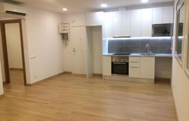 Cheap 2 bedroom apartments for sale in Spain. Flat in Nou Barris, Barcelona