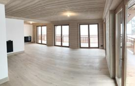 4 bedroom apartments for sale in Auvergne-Rhône-Alpes. Apartment – Courchevel, Savoie, France