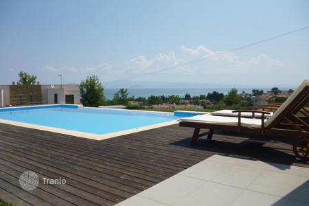 Houses with pools by the sea for sale in Greece. Villa - Administration of Macedonia and Thrace, Greece
