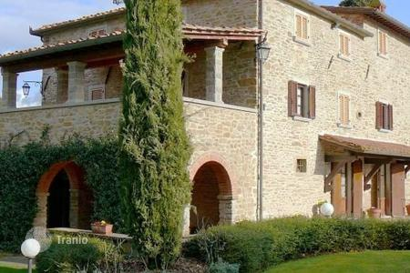 5 bedroom apartments for sale in Arezzo. Apartment – Arezzo, Tuscany, Italy