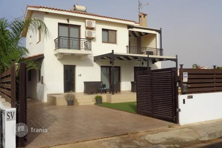 3 bedroom houses for sale in Famagusta. Detached 3 Bedroom Villa near the Sea with TITLE DEEDS
