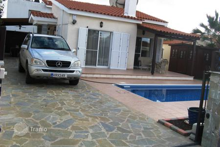 Houses with pools for sale in Tala. 2 BEDROOM BUNGALOW IN TALA PRICE: €285,000 REDUCED TO €269,500