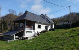 Property for sale in Lourdes. Modern villa with a terrace, a mezzanine and mountain views, close to Lourdes, France