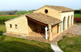 Residential for sale in Marche. Beautiful villa in Morrovalle, Italy