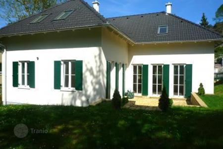 4 bedroom houses for sale in Austria. Villa in the French country style in a suburb of Vienna