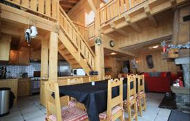 Houses for sale in Alps. Family chalet on a large plot, Morzine, France