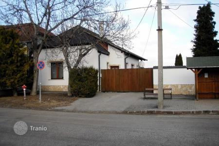 Property for sale in Komarom-Esztergom. Detached house – Bajna, Komarom-Esztergom, Hungary